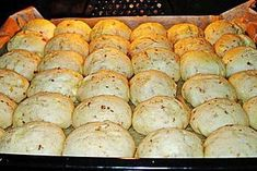 Pizza rolls More - Snack Mix Recipes Cheese Recipes, Pizza Recipes, Baking Recipes, Chicken Recipes, Bread Recipes, Pizza Buns, Pizza Rolls, Pizza Snacks, Bake Mac And Cheese