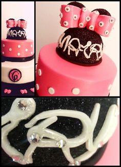 Minnie Mouse Cake - Sugarpaste creations
