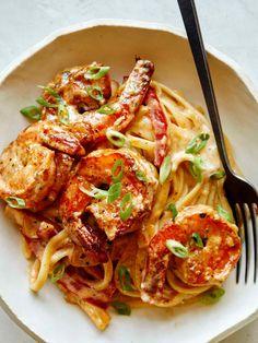 Fried Shrimp Recipes, Best Shrimp Recipes, Seafood Pasta Recipes, Cajun Recipes, Fish Recipes, Great Pasta Recipes, Spoon Fork Bacon, Cajun Shrimp Pasta, Pizza