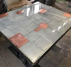 kupfer-und-zink-patchwork-tischplatten/ - The world's most private search engine Zinc Table, Copper Table, Industrial Table, Vintage Industrial, Industrial Lighting, Vintage Lighting, Metal Furniture, Industrial Furniture, Diy Furniture