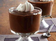 Una golosità per tutte le età: il budino al cioccolato con ciuffi di panna montata. Oggi ce lo prepara Daniele Persegani a Casa Alice. È facilissimo, veloce e buono  http://www.alice.tv/cioccolato/budino-cioccolato-panna-montata