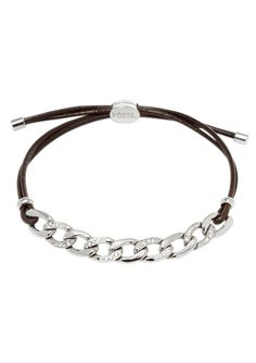 Armband, »JF01485040«, Fossil.  Sensationell ist dieses edle, 2-reihige Armband! Perfekt ergänzt sich hier dunkelbraunes Leder mit glänzendem, massivem Edelstahl. Funkelnde Glassteine zieren die Flachpanzerkette und ein Zirkonia (synth.) den Verschluss. Die Länge kann durch den Ziehverschluss bis maximal ca. 24,5 cm verstellt werden. Die Lederbänder sind jeweils ca. 2 mm breit und die Flachpanz...
