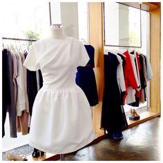 Biała sukienka z kieszeniami z nowej kolekcji AW 2014/15  THECADESS