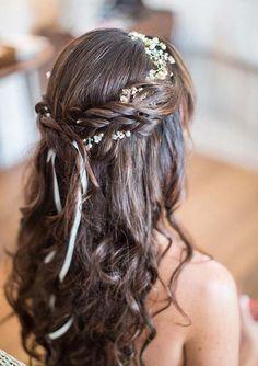 25 inspirações de penteado para daminhas | http://www.blogdocasamento.com.br/25-inspiracoes-de-penteado-para-suas-daminhas/