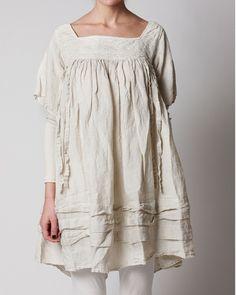 64bb7c9e9 Long linen blouse with a detailed square collar line by Ewa i Walla Mori  Fashion,