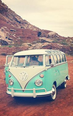 Road trip dreaming https://poshatplay.wordpress.com/2016/04/29/road-trippinfashion-finds-for-your-next-girls-vacation/