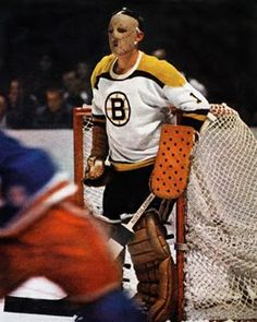 Don Simmons, second NHL goalie to wear a mask Hockey Shot, Women's Hockey, Ice Hockey Teams, Hockey Games, Boston Bruins Players, Boston Bruins Hockey, Montreal Canadiens, Nhl, La Kings Hockey
