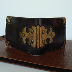 #leather #steampunk #wallet I don't think I can explain how much I love steampunk things like this