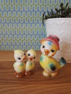 Mamma and Baby Bird Vintage Salt and Pepper Shakers by babybomb, $14.00