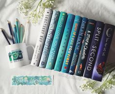 I'm this set I would love to read all of the lunar chronicles and I will be starting them soon