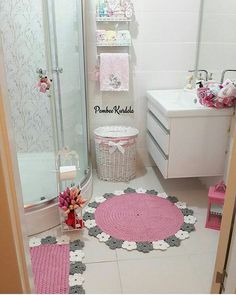 Ordinary Bathroom Decorations Become More Beautiful Shabby Chic Style - Dekorasi Kamar Mandi Minimalis - Ikea Closet Organizer, Bedroom Closet Storage, Master Bedroom Closet, Bathroom Closet, White Bathroom, Shabby Chic Style, Room Wall Tiles, Decoration Table, Amazing Bathrooms