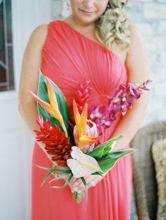 Tropical bouquet: http://www.stylemepretty.com/2015/04/16/bright-tropical-beachfront-wedding/ | Photography: Paula Player - http://paulaplayer.com/