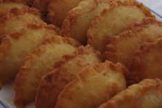 Rissóis de Frango II   SaborIntenso.com Portuguese Recipes, Portuguese Food, Empanadas, Baked Potato, Brunch, Potatoes, Cooking Recipes, Baking, Vegetables