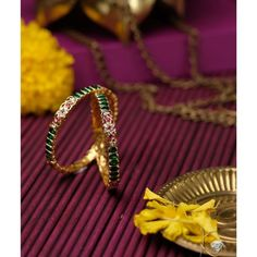 Plain Gold Bangles, Gold Bangles Design, Gold Jewellery Design, Diamond Bangle, Diamond Jewellery, Coral Jewelry, India Jewelry, Temple Jewellery, Earring Trends