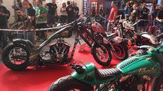 ¡Menudo fin de semana en el Salón del Tatuaje de Barcelona! Motos custom, coches cásicos, aerografía, bodypainting, Pin Ups y mucho arte corporal. Os traemos el mejor resumen en texto, imágenes y vídeos. ¡No os lo perdáis! ; )