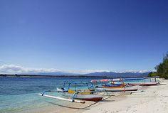 Boats at Gili Trawangan beach, Lombok, Indonesia    Travel Guide to Lombok and Gili Islands    http://allindonesiatravel.com/