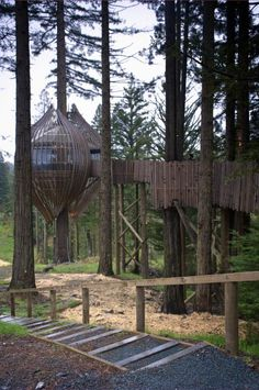 The Redwoods Treehouse in New Zealand is a pod-shaped tree house hanging 30 feet above the ground. It was commissioned in 2008 as a marketing campaign and now serves as a private venue, available for rent. Corporate or private events can be held in the tree house, with room for up to 30 guests.     yellowtreehouse.co.nz  justin@experiencegroup.co.nz  Phone: 09 304 0355  Warkworth, New Zealand