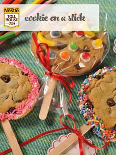 Decorating these scary monster cookie pops is fun for the whole family. They& fast and easy to make, and the candy decorating possibilities are endless! Bake Sale Treats, Bake Sale Recipes, Cookie Recipes, Dessert Recipes, Bake Sale Cookies, Oreo Desserts, Cookie Pops, Chocolate Chip Cookies, Bake Sale Packaging