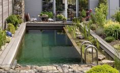 A nature pool in the garden Rectangle Pool, Small Pool Design, Paint Your House, Mini Pool, Natural Swimming Pools, Pool Designs, Land Scape, Outdoor Gardens, Pond