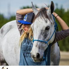 Country Girls Outfits, Country Girl Style, Cowgirl Outfits, Western Outfits, Cowgirl Clothing, Cowgirl Fashion, Country Women, Cowgirl And Horse, Cowgirl Style