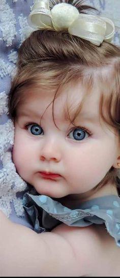 Girl baby with blue eyes so cute precious children, beautiful children, beautiful babies, So Cute Baby, Cute Baby Boy Photos, Cute Kids Photos, Cute Little Baby Girl, Baby Boy Pictures, Beautiful Baby Girl, Baby Kind, Beautiful Children, Pic Of Baby Girl