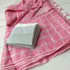 ******Shipping with in India is free****** pure linen sarees with checks . - Linen saree - Linen sarees Please check availability before you place an order. Latest Saree Blouse, Cotton Saree Blouse, Khadi Saree, Organza Saree, Saree Dress, Cotton Saree Designs, Saree Blouse Neck Designs, Trendy Sarees, Stylish Sarees