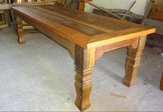 mesa de jantar em madeira de demolição, a venda em qualquer medida na loja Pura Arte Móveis, 32-9-8426-6996) whatsapp, falar com Luciano ou Tatiana.