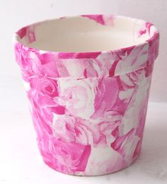 Revamp flower pots, plant pots, terracotta pots using paper (decoupage). We used Decopatch paper FDA573 on this project.