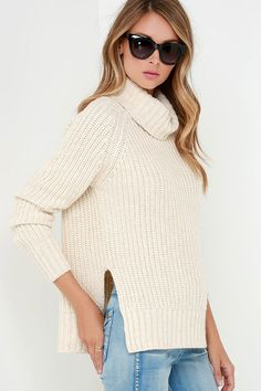Staying inside isn't so bad when you can cozy up in the Glamorous Snow Day Light Beige Sweater! Chunky knit shapes an oversized turtleneck atop a wide-cut bodice with long sleeves. Oversized fit and cute side slits makes this cozy sweater perfect for pairing with a mini skirt or jeans!
