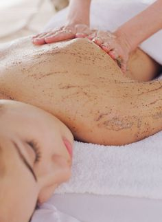 """Chocolate Spa Treatments - Natural Beauty Seven do-it-yourself treatments to make you say, \""""Mmmm. Beauty Spa, Beauty Care, Diy Beauty, Beauty Hacks, Massage Spa, Massage Therapy, Facial Massage, Beauty Tips For Face, Natural Beauty Tips"""