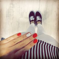 Red nails and vans shoes ❤