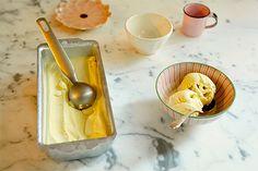 O chá verde transforma o corriqueiro sorvete de creme numa exótica sobremesa.