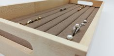 Aufbewahrung für Ringe, Ohrringe u.ä. in einer hochwertigen Einlage der Serie Carré Online Shopping, Ear Piercings, Timber Wood, Schmuck, Net Shopping
