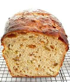 Fruited sourdough bread (apples and raisins)