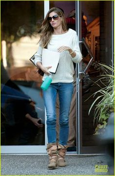 f41d3df613a Gisele Bundchen wearing Tom Ford sunglasses Cheap Ray Ban Sunglasses