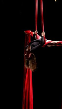 dance in the air - Aerial silks, red Dance It Out, Just Dance, Silk Dancing, Human Body Art, Aerial Silks, Aerial Yoga, Motion Photography, Red Rooms, Circus Theme