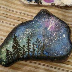 Photo from thecreativeandcrafty Seashell Painting, Pebble Painting, Pebble Art, Stone Painting, Rock Painting Patterns, Rock Painting Designs, Paint Designs, Stone Crafts, Rock Crafts