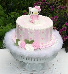 love the sides of the cake . hate the boa and the hello kitty topper Hello Kitty Theme Party, Hello Kitty Birthday Cake, Hello Kitty Themes, Kitty Party, Hello Kitty Torte, Cupcake Collection, Baby Girl Cakes, Just Cakes, Love Cake