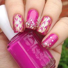 photo by kylettta French Nails Glitter, Fancy Nails, Gold Nails, Pink Nails, Great Nails, Fabulous Nails, Perfect Nails, Cute Nails, Beautiful Nail Designs