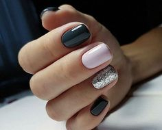 On average, the finger nails grow from 3 to millimeters per month. If it is difficult to change their growth rate, however, it is possible to cheat on their appearance and length through false nails. Matte Nails, Pink Nails, Acrylic Nails, Black Shellac Nails, Black Silver Nails, Classy Nails, Trendy Nails, Gel Nail Art, Nail Polish