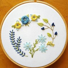 Embroidery Hoops Walmart it is Embroidery Stitches On Felt while Embroidery Designs Christmas Embroidery Transfers, Hand Embroidery Stitches, Embroidery Hoop Art, Hand Embroidery Designs, Vintage Embroidery, Floral Embroidery, Cross Stitch Embroidery, Bordado Floral, Needlework