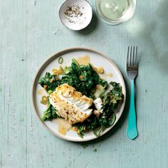 Enjoy a tasty and delicious meal with your loved ones. Learn how to make Soy-Glazed Fish with Stir-Fried Spinach & see the Smartpoints value of this great recipe. Spinach Recipes, Ww Recipes, Salmon Recipes, Fish Recipes, Great Recipes, Favorite Recipes, Healthy Recipes, Stir Fry Spinach, Fried Spinach