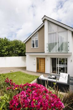 1 The Sands is a truly beautiful seaside haven. With its spacious and stylish interior, you can experience relaxed coastal living both day and night. North Cornwall, Stylish Interior, Private Garden, New Builds, Sands, Coastal Living, Seaside, Catering, Cottage