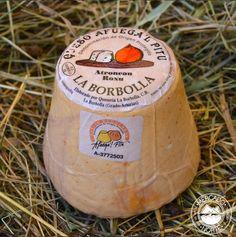 Queso Afuega`l Pitu Roxu. Tiene un peso de 300 gr. Un sabor ligero a picante y con un textura un poco más seca. Elaborado con leche de vaca. http://www.elmercadodelnorte.com/categoria-producto/quesos/