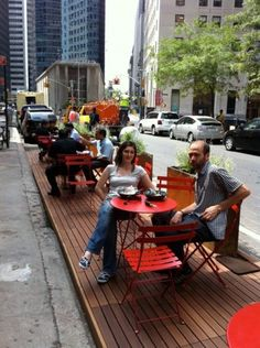 NEW YORK EXPANDS POP-UP CAFE PROGRAM IN 2011. Parklet uses Bison Wood Deck tiles and Bison Deck supports