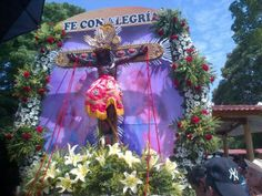 SEÑOR DE LOS MILAGROS DE LA MESA... EL PRIMER DOMINGO DE MAYO SE CELEBRA SU FIESTA PATRONAL... ICONO DE LA RELIGIÓN CATÓLICA DEL PUEBLO MESANO...
