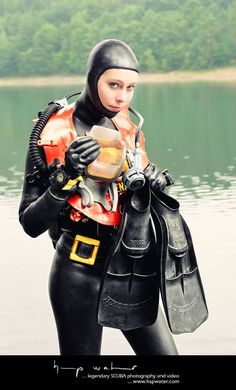 Buy Commercial Diving Tools from Experienced Saturation Diver. Women's Diving, Scuba Diving Courses, Scuba Diving Pictures, Tailoring Training, Arab Girls Hijab, Scuba Girl, Seiko Diver, Womens Wetsuit, Diving Equipment