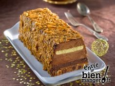 Recette - Tiramisù Croustillant Chocolat façon Bûche – Recette I Love Tiramisu, -Tiramisù des Fêtes Just Desserts, Dessert Recipes, Pastry Cake, Sweet Cakes, Chocolate Desserts, Chocolate Cake, Christmas Desserts, Yummy Cakes, Holiday Recipes