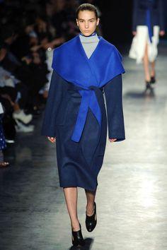 The navy + cobalt combo in this coat with oversized shawl collar. Altuzarra. #nyfw #fall2014 #altuzarra