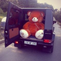 """""""That bear please"""" Huge Teddy Bears, Giant Teddy Bear, Big Bear, All You Need Is Love, Cute Love, Human Size Teddy Bear, Bear Tumblr, Teddy Girl, Mocha Color"""